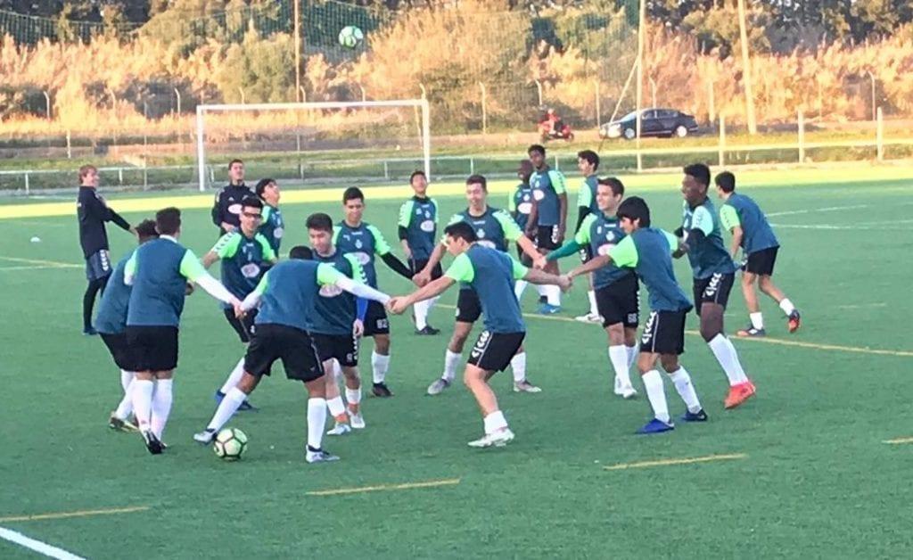 entrenamiento jugador chileno en equipo portugues
