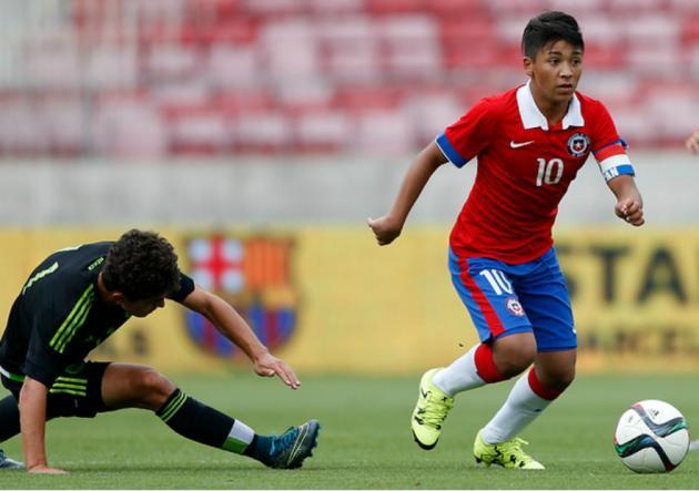 jugador de fútbol chileno