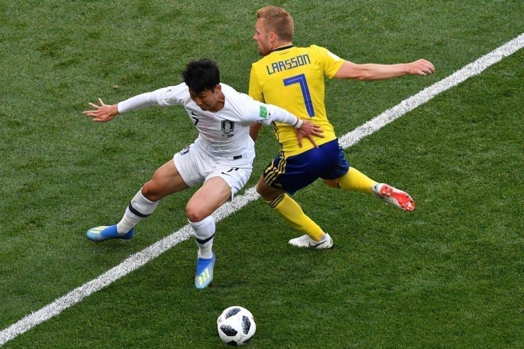 Heung-Min controla la pelota en el primer partido de la selección de Corea en el Mundial Rusia 2018