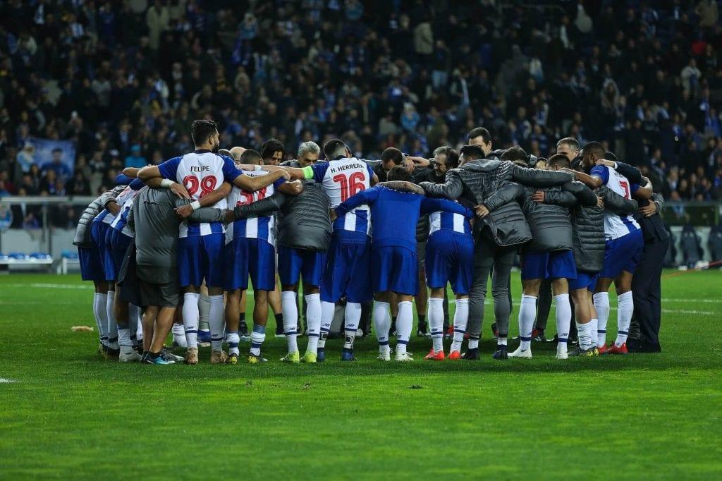 concentración durante el partido de octavos de la Champions del FC Porto
