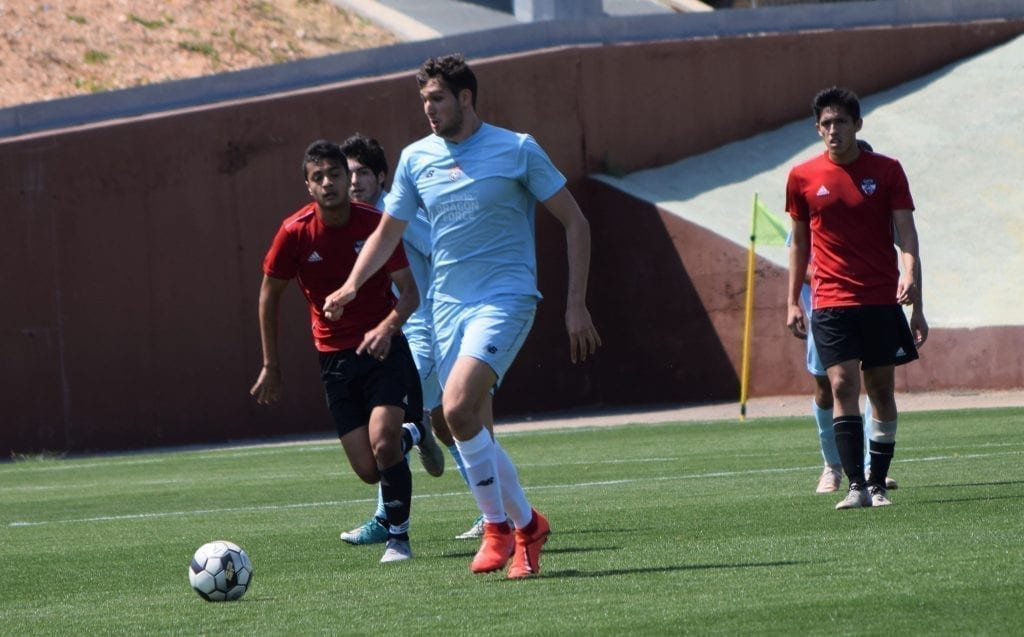 partido de fútbol entre SIA y GPS