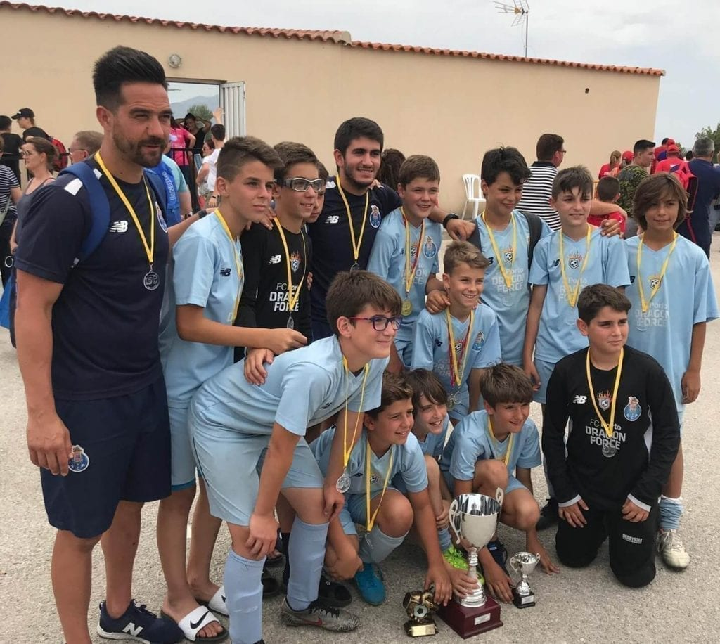 Alevin de Escuela de Fútbol en Torneo