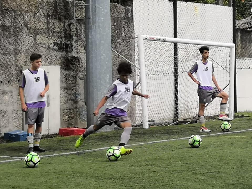 jugador de escuela de futbol probando en FC Porto