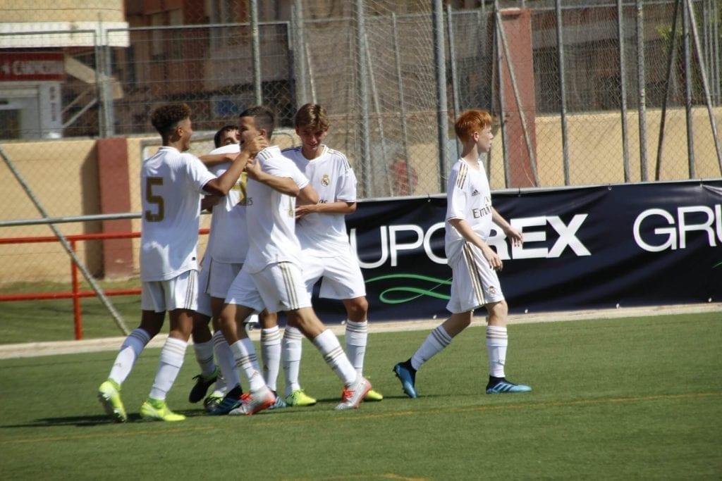 El Real Madrid gana el torneo de fútbol del TORCAF
