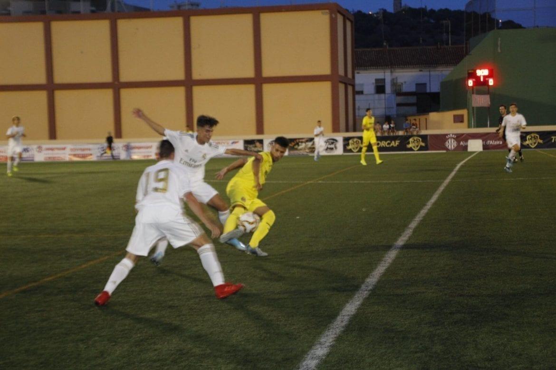 Real Madrid gana al Villarreal en la final del torneo de fútbol