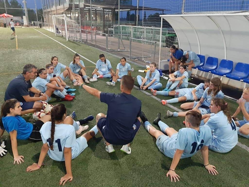 equipo fútbol femenino Dragon Force